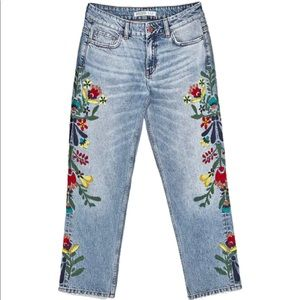 EUC embroidered boyfriend jeans